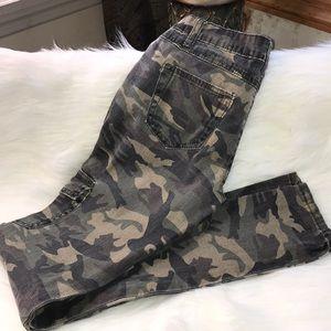 VIP Skinny Camo Cargo Pants
